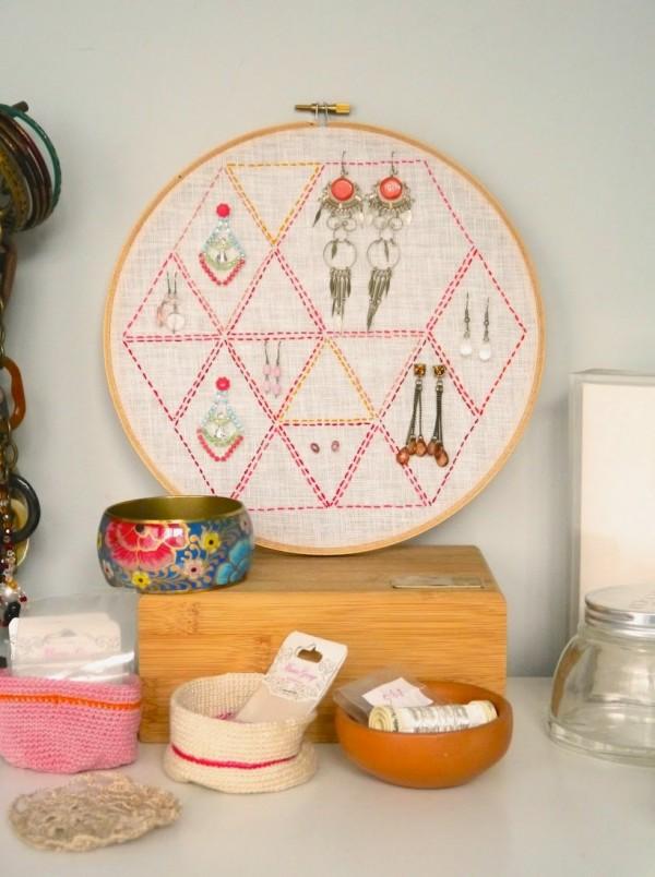 Embroidery-hoop-organiser--600x804